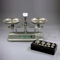 上皿天びん 普通型 MS-500 分銅付 村上衝器 てんびん 天秤 はかり 計り 計量 はかる 実験 理科