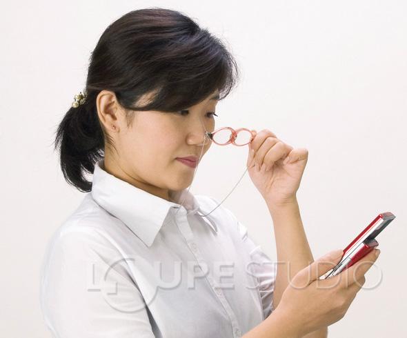 ペンダントルーペ双眼タイプ使用例2