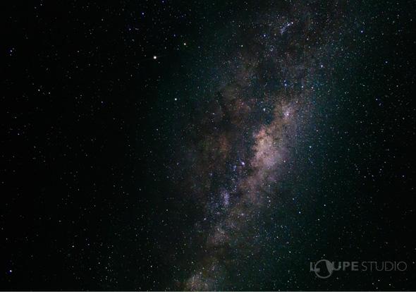 肉眼では見えない星も観察可能!